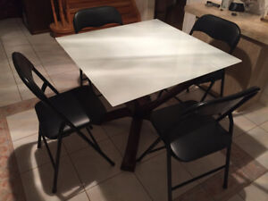 Nice Set of Dinette Table & Chairs in Good Condition  $Reduced