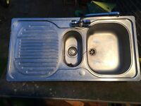 Kitchen sink 1.5 bowl with mixer tap + drain pipes