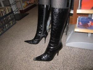 Ladies High Heeled Boots Size 7 With A 4 Inch Heel