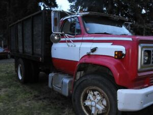 Fast Sale 1980 Chevrolet 5 tonne truck with  a hydraulique dump