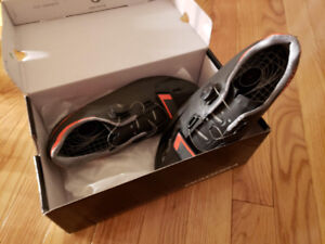 Diadora Cycling Shoes - size 44 - MINT condition