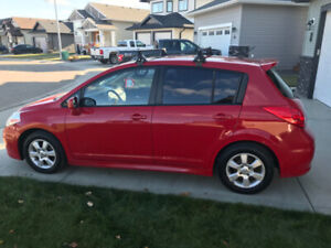 2007 Nissan Versa SL Hatchback $3000 or best acceptable offer