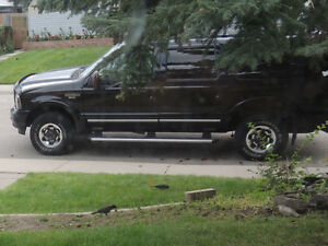 2004 Ford Excursion SUV, Crossover