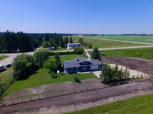 PROFESSIONALLY RENOVATED HOME ON 2.46 ACRES