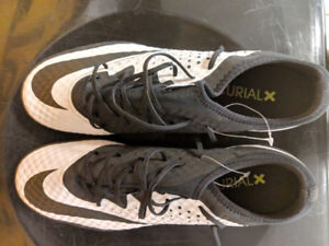 Nike Mecurial X Men's Soccer Shoes~NEW~Size 9