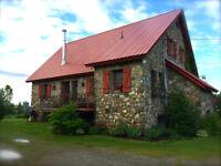 Unique, maison de campagne à 20 min. de Sherbrooke