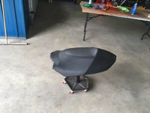 600 rs seat