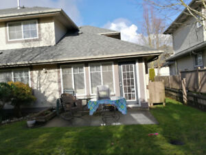 Surrey Townhouse 3 Bedrooms  available from May 1, 2018