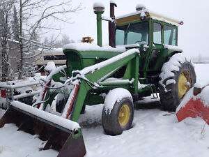 1970 John Deere 4620 tractor with loader