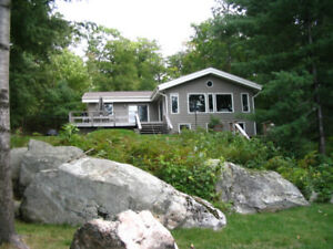 Lk Rosseau waterfront cottage with SW exposure sleeps 8-1742