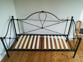 Single Daybed, with mattress in great condition