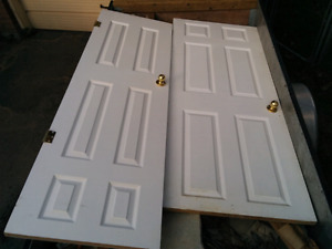 2 weird size closet doors
