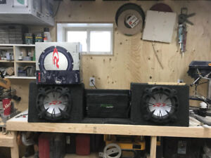 3 alpine type r subwoofers and a fusion 3000 rms amp
