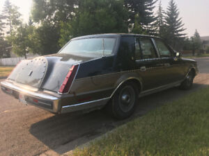 PRICE DROP! GREAT WINTER CAR! CLASSIC LINCOLN!