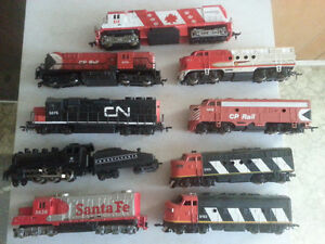Tons of h.o scale trains cars and track. Edmonton Edmonton Area image 3