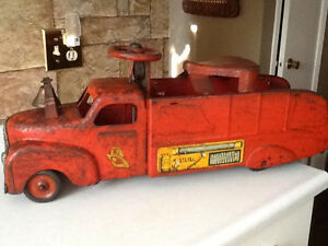 *VERY RARE* 1940S MARX RIDE ON FIRE TRUCK WITH BELL