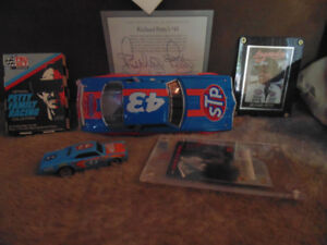 COLECTABLE RICHARD PETTY CARS & CARDS