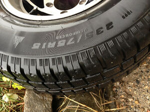 235-75R15 set of 4 all season on aluminium rims