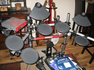 Yamaha Electronic Drum Set Campbell River Comox Valley Area image 1
