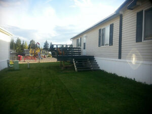 Immaculate Mobile Home for Sale in Edson, Alberta