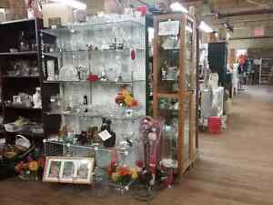 Canada's largest antique mall 600 booths to explore  Kingston Kingston Area image 8