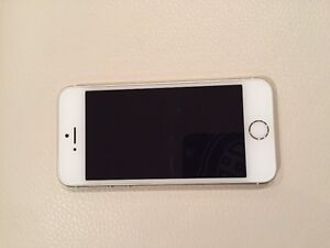 IPhone 5S 16G Or et blanc operateur Rogers West Island Greater Montréal image 1