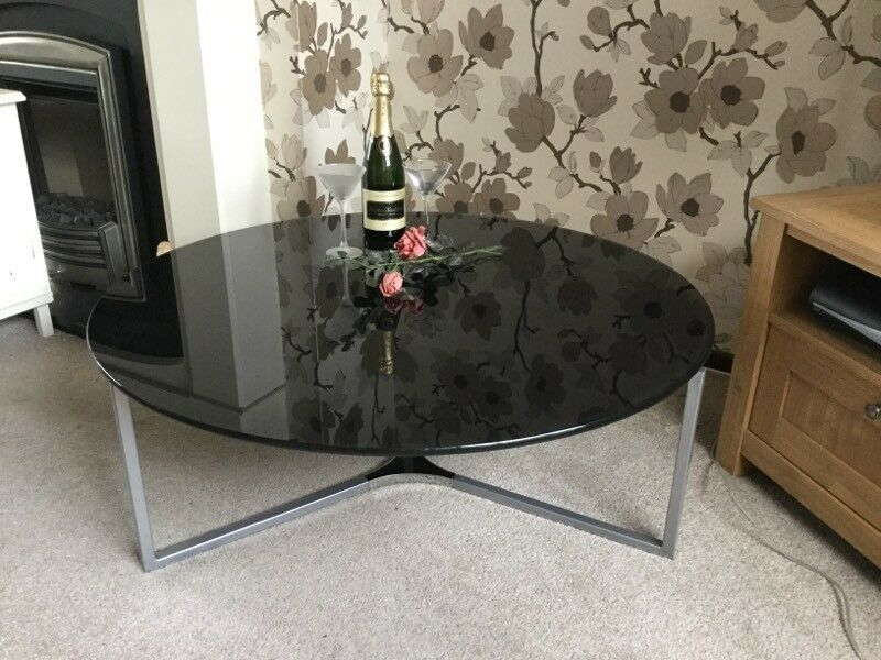 BRAND NEW AND BOXED STYLISH COFFEE TABLE