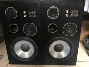 AUDIO REFERENCE SPEAKERS
