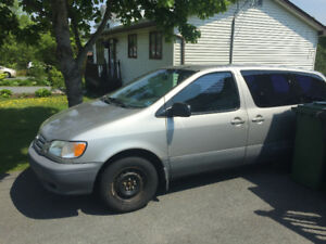 2002 LOW KMS Toyota Sienna