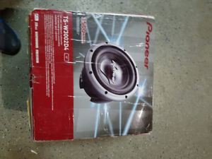 Pioneer Brand new 12 Inch 3500 W Pro Series Subwoofer pair