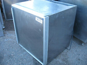 Silver King Cooler – ½ size /w sold door, #410-14