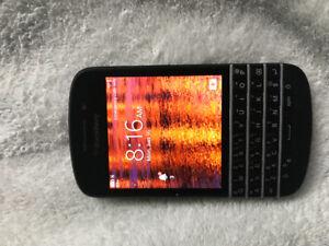NEW PRICE!! Blackberry Q 10 $50.00