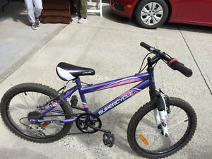 Girls Mountain Bike Like NEW!!!