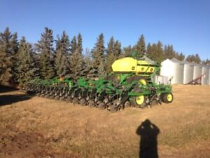2012 JD 1870 Drill with JD 1910 Cart