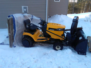 Snow Blower/lawn tractor works awesome
