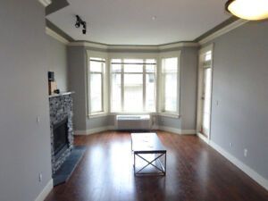 Roomate Wanted -  $825/ 1 Bed + Bath Fully Furnished