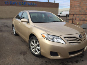 2011 Toyota Camry LE Sedan convenient package