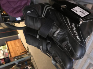 Specialized defroster winter riding shoe