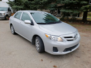 2013 Toyota Corolla ( Low Kms )
