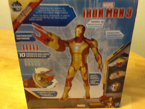 """2012 MARVEL 12"""" IRON MAN 3 WITH LIGHTS AND SOUNDS London Ontario image 2"""