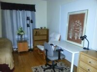 Furnished room 4 female Intl. student/visitor (st.clair w subway