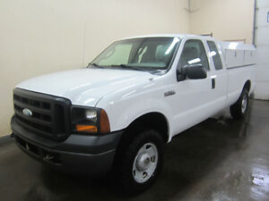 2007 Ford F-250 XL Supercab 4x4 With Service Body Edmonton Edmonton Area image 4