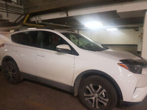2017 RAV4 AWD LE lease transfer / Transfert de location: 405.87$