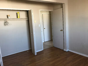 2 bedroom apartment - Currently being renovated Sarnia Sarnia Area image 5
