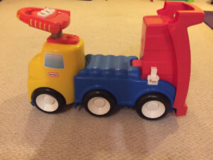 EUC Little tikes ride on truck for toddler