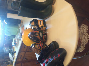 Baseball/T-ball gloves kids Roller shoes