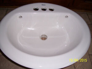 American Standard -Cadet Universal Access-Vitreous China Sink