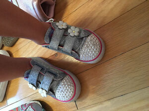 Girls shoes size 8,9