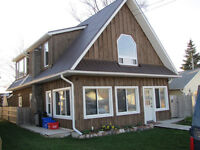 EXECUTIVE 3 BEDROOM HOUSE ON LAKE ERIE IN KINGSVILLE
