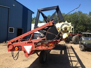 Case IH 8220 25' pull type swather with Roto Shear Strathcona County Edmonton Area image 5